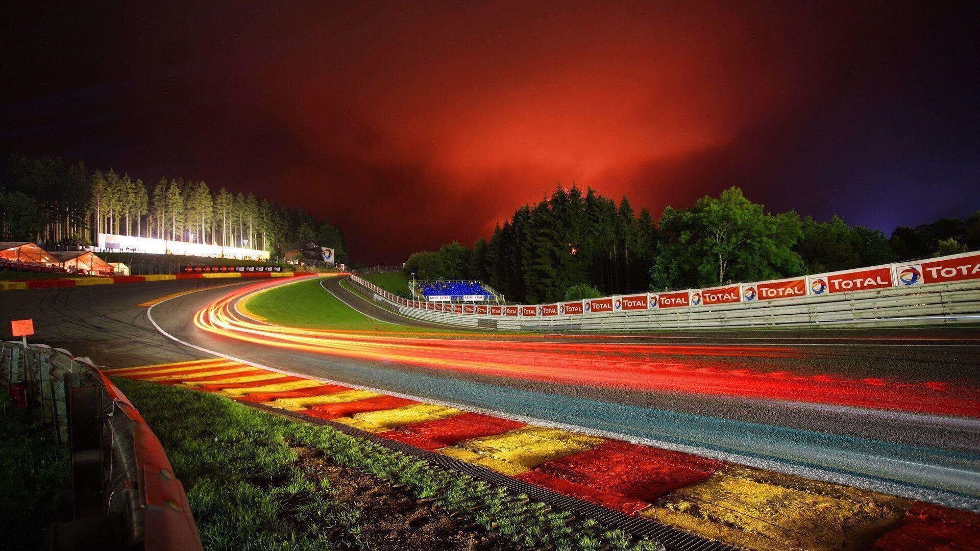 Race Track kategorisi için resim